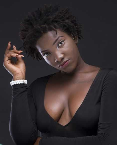 E-news :This Is How Late Ebony Reigns' Father Reacts To 'Viral Video' Of Her Body Being Manhandled In The Mortuary