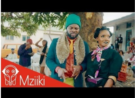 """VIDEO: Simi & Falz – """"Foreign"""""""