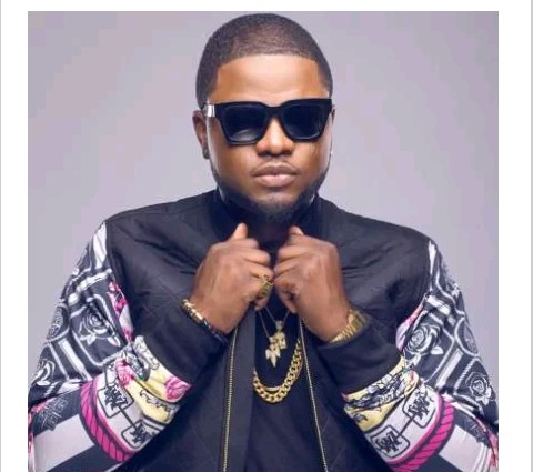 E-news: It Blue Raspberry, Skales Clears The Air On Drug Abuse || WATCH